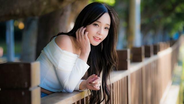 asian single lady