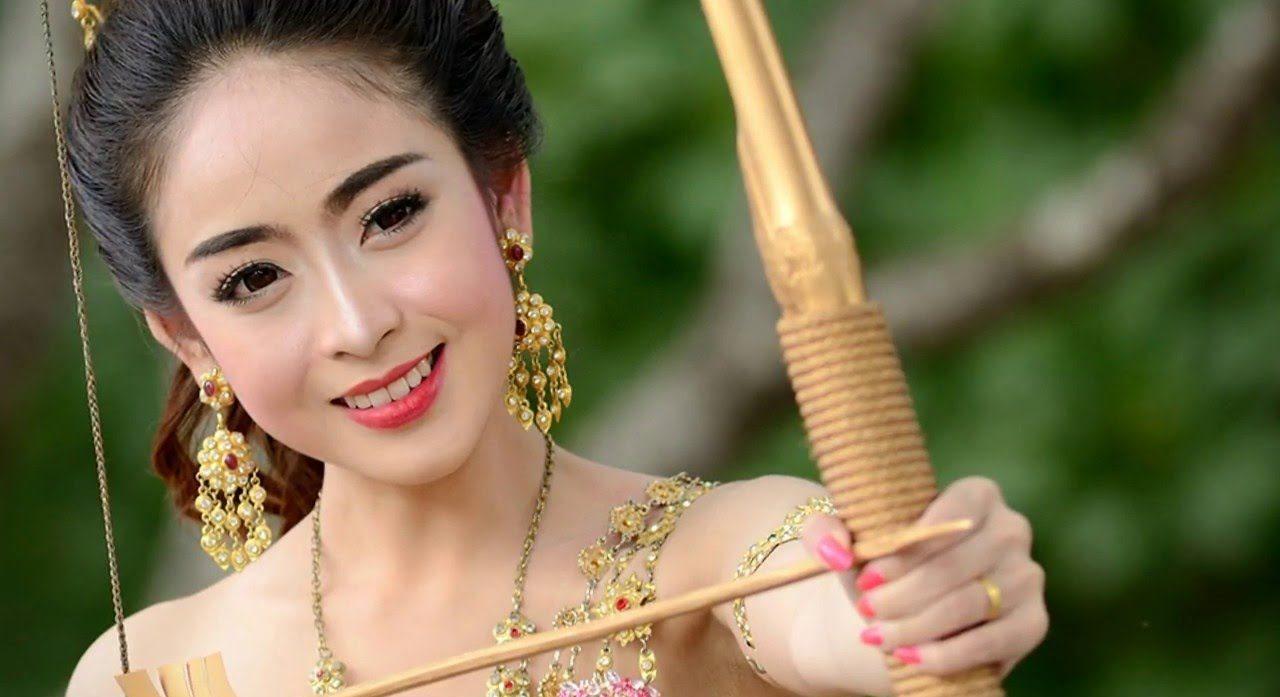 Beautiful Laos Bride